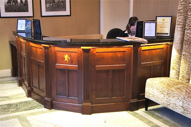 Reception-Desk-CH