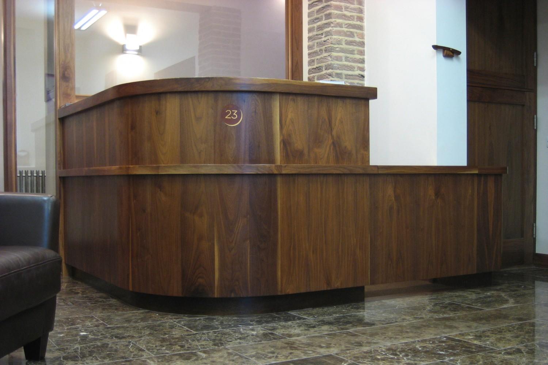 Reception-dentil-desk-main