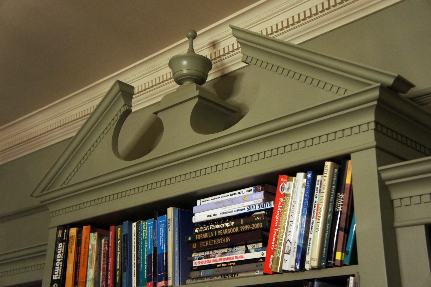 Bookcase-Breakfront-at-Riding-Mill-Detail-of-cornice-21