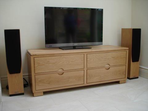 Cabinet-stereo-Aspen-Bank-1