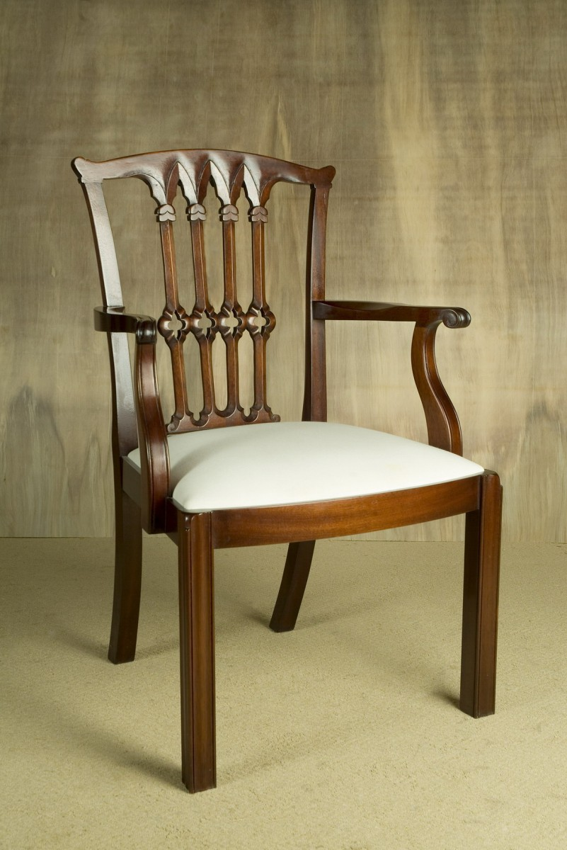 Chair-Trad-Mahogany-carver.-Chipish