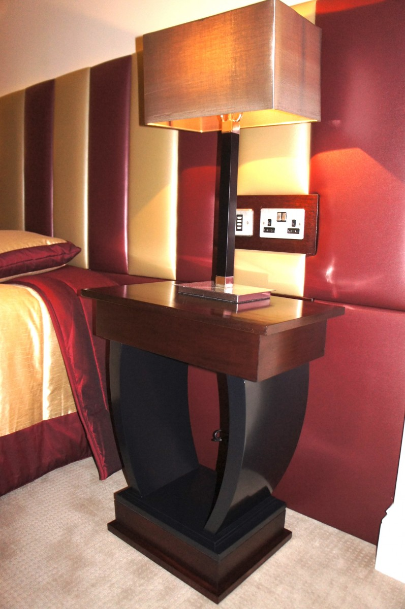 Table-Bedside-Hotel-CH
