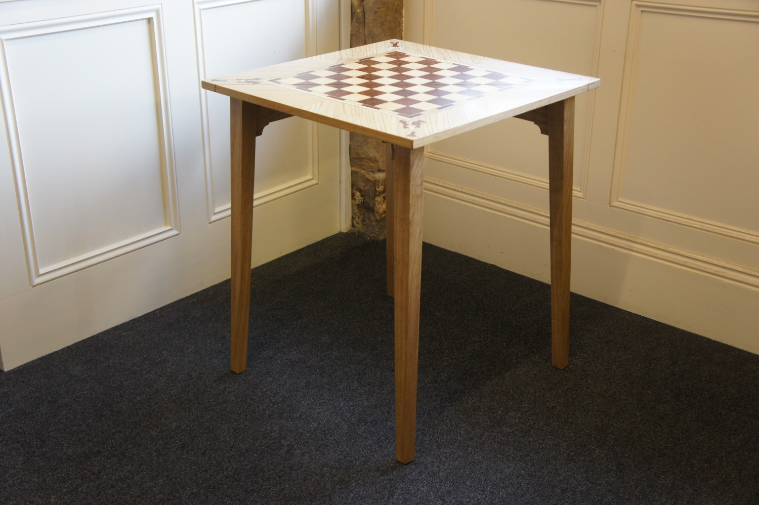 Table-Chess-table-with-veneered-detail.-Open-2