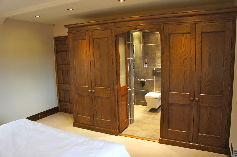 Wardrobe-Ogle-open-to-toilet-21