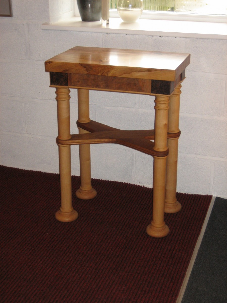 Table-biedermire-small-side-type
